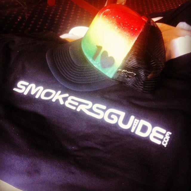 @hempcon Day 3 Super suit! @smokersguide @ondek619 @on.dek619 @nuglifeenespanol @upnug #cannabroadcasting #weedstagram #420life #NowSmokeWeed